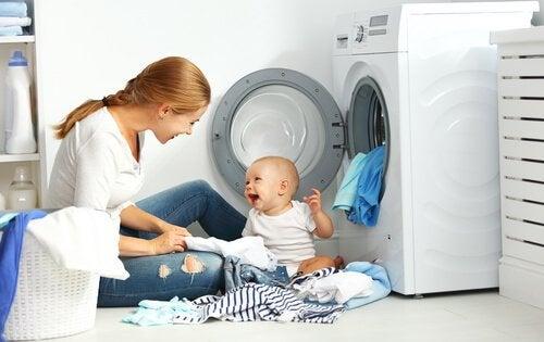 赤ちゃんの服を洗濯する時に役立つ7つの注意事項