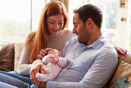 新生児と親 初めて親になる マニュアル