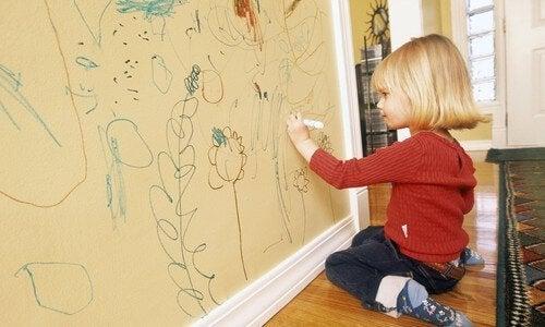 子どもの お絵描き