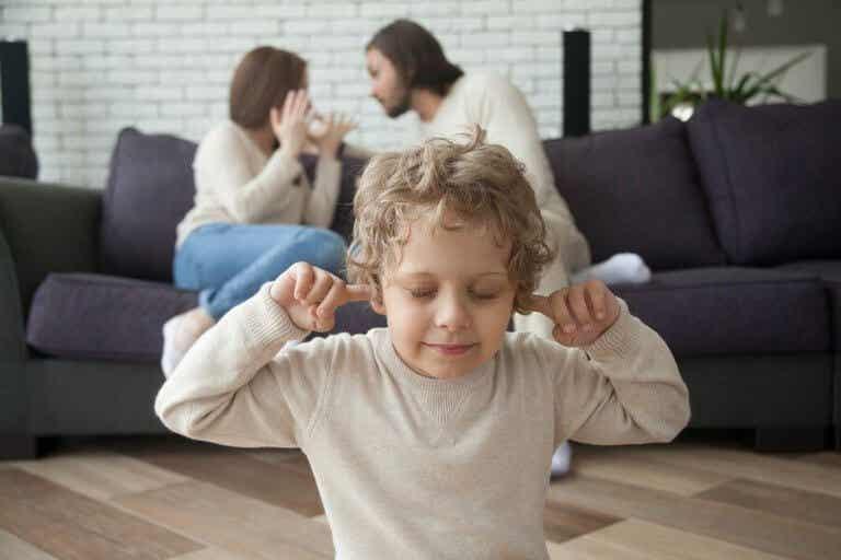子どもの成長過程で起こる離婚の影響について