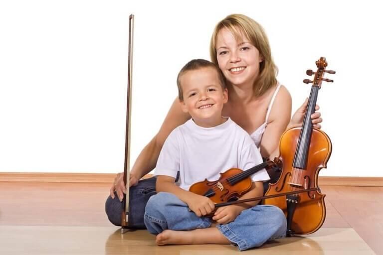 楽器の演奏を学ぶ効果について