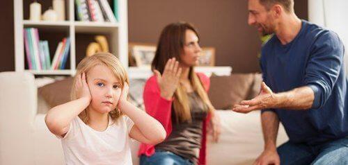 子供の前で喧嘩をするのはやめましょう