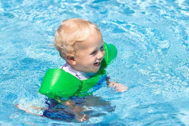 赤ちゃんとプールに行く時に用意しておきたいもの11選