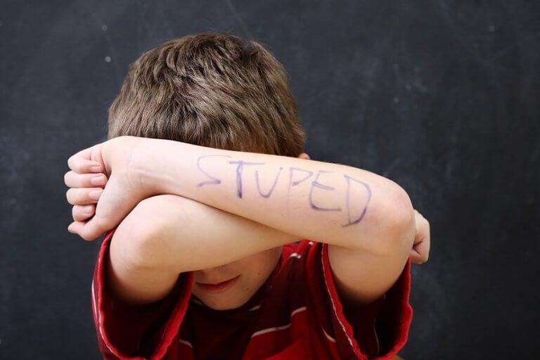 子供の自尊心にまつわる3つの潜在的な課題について