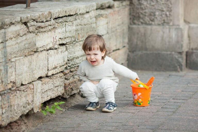 子供の振る舞いが親と一緒にいる時の方が悪くなるのはホント?