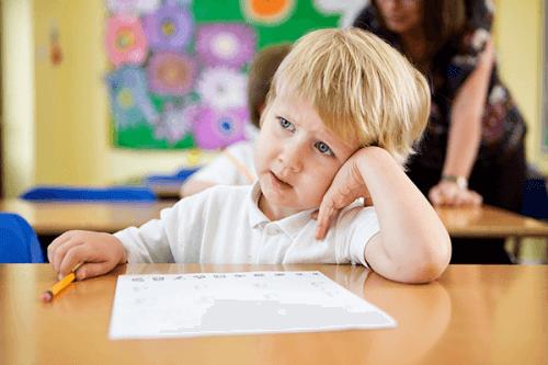 学校で子どもが 集中 できない