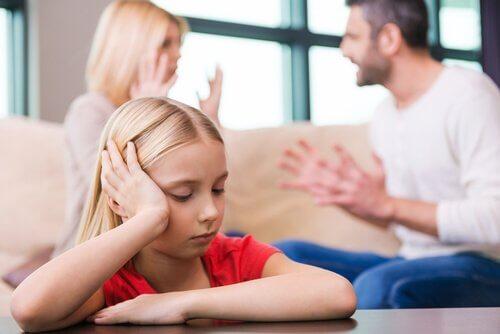 子どもの成長段階で起こる 離婚 とは