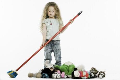 お掃除する女の子 整理整頓  子ども 部屋