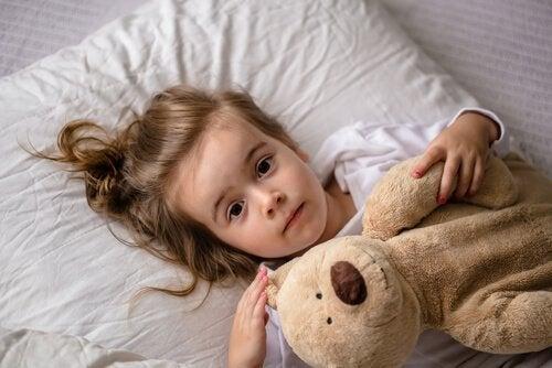 寝ているときに赤ちゃんが泣いたら 子ども 十分な睡眠