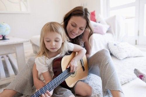 楽器の演奏 を学ぶ効果