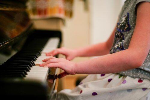 楽器の演奏 子ども 効果