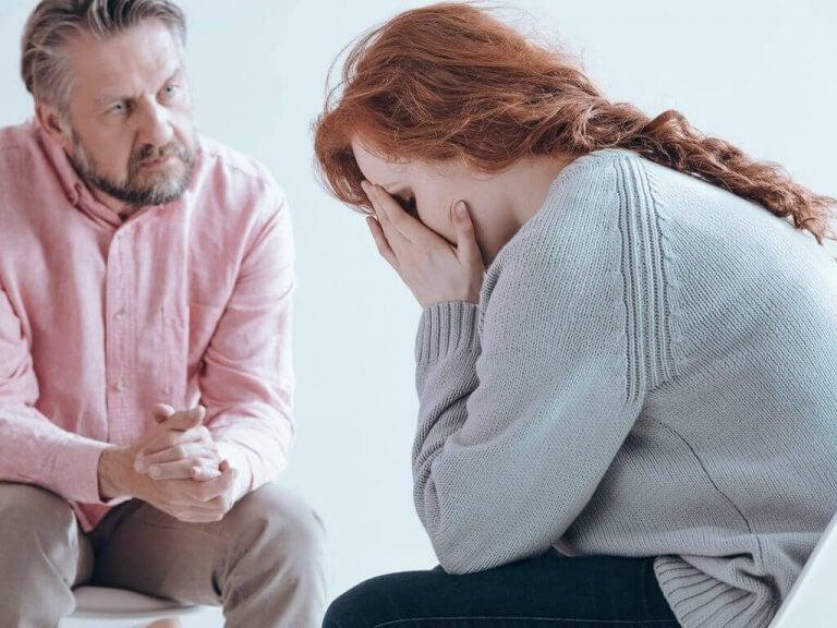 産後精神病の原因とは?:その症状と治療法