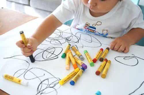 家庭で子供が芸術に触れることの大切さ