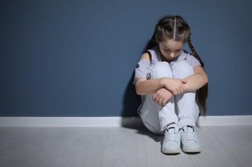 子どもに対する心理的虐待とその影響