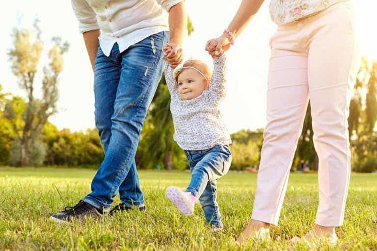 赤ちゃんはいつ歩き始めるの?