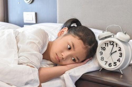 子どもが 睡眠障害 で眠れない 睡眠障害 子ども 原因