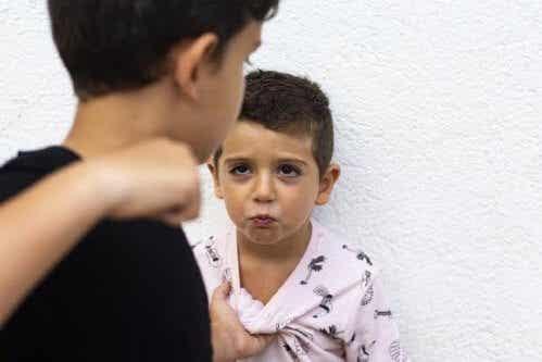 子どもの攻撃心にどう対処したらいいか?