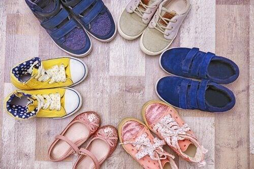 子どもの 偏平足 :靴選び