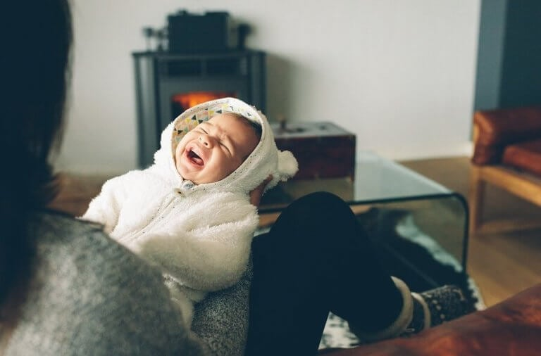 新米ママ必見!赤ちゃんの夜泣きへの対処法とは?