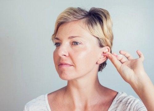 耳を綺麗に保つのがなぜ重要か学びましょう