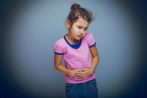 機能性腹痛がある女児 子ども 機能性腹痛