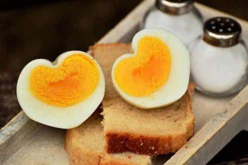 子供の食事に卵を取り入れるのはいつから?