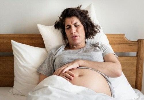 妊娠中や出産時の痔について知っておきたいこと!