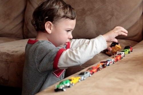 自閉症スペクトラム障害 子ども   自閉症   嘘