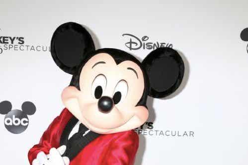 ディズニーのミッキーマウス生誕90周年記念:みんな大好き!