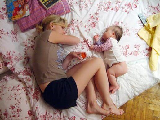 親子で寝る 子ども  1人で寝る  嫌がる
