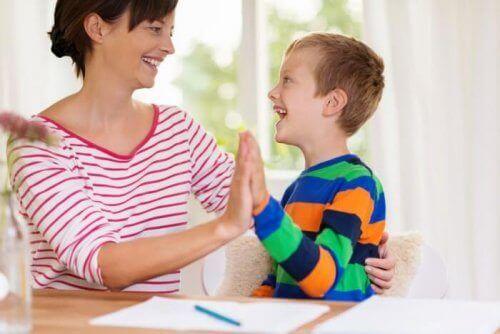 自閉症に関する嘘 自閉症スペクトラム障害 子ども   自閉症   嘘