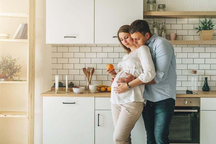 母親になること  夫婦  影響