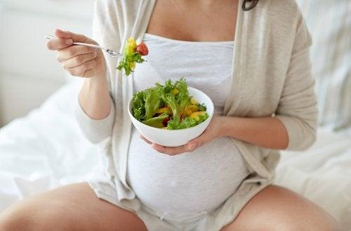 妊娠中にはどのビタミンを摂るべき? 妊娠中 ビタミン