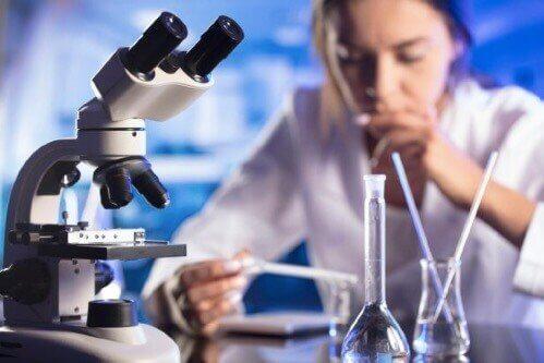 STEM分野にもっと女性が必要な理由:根強い男女の格差