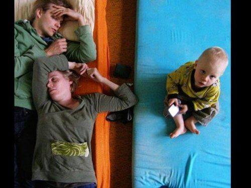 初めて親になると出てくる「あるある」:もれなく睡眠不足!