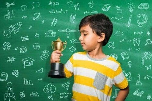 子どもの学校の成績へのご褒美と罰の使い方について