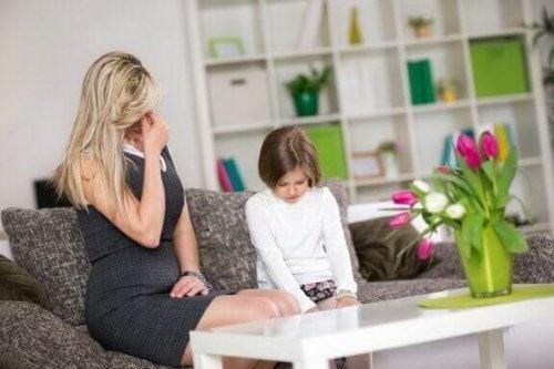 子育てでありがちな7つの間違い:パパとママの疑問
