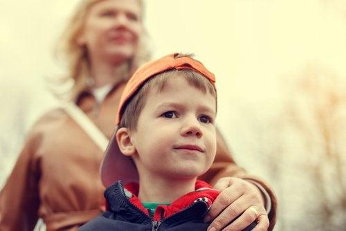 過保護な子育て  危険