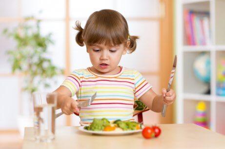 子ども  テーブルマナー  教える