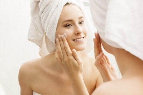 お肌の潤いを保ち完璧な状態にしよう!:6つのコツ