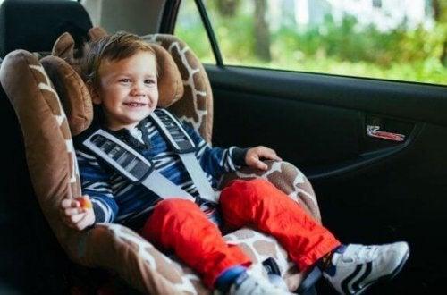 大家族のためのファミリーカー:おすすめの外車ミニバン6選!