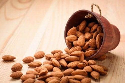 免疫システム を強化するアーモンド 免疫システム 強化 食べ物