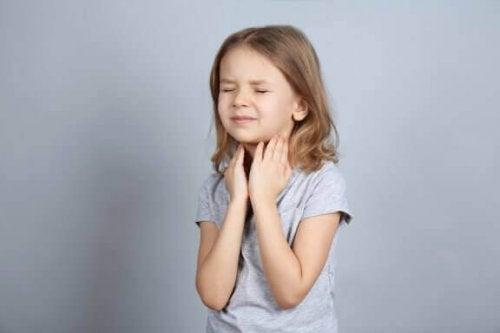 アナフィラキシー:小児アレルギーの原因、治療、防止法