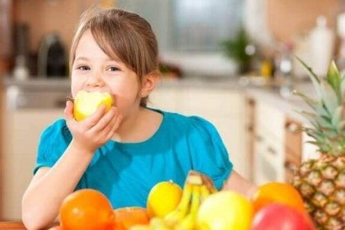 子どもが健康的なライフスタイルを送るための4つの秘訣