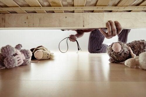家庭内暴力 の身体的影響とは? 家庭内暴力  子ども   影響