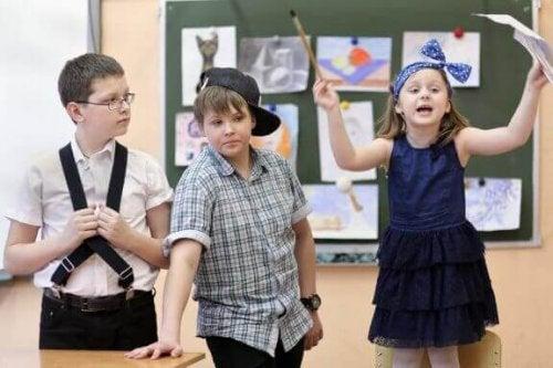 「演劇」を使った子どもの感情のコントロール方法について