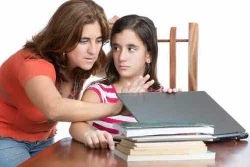 口うるさい親にならないためのコツ:親になるって大変!