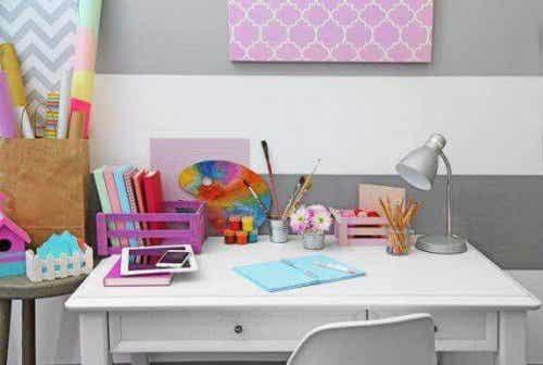 子どもの勉強机を用意するために:10のアイデア