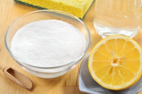 レモンと重曹 シミ 白い服