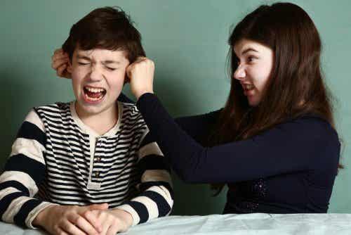 兄弟喧嘩ばかりで困っている親のためのアドバイスとは?